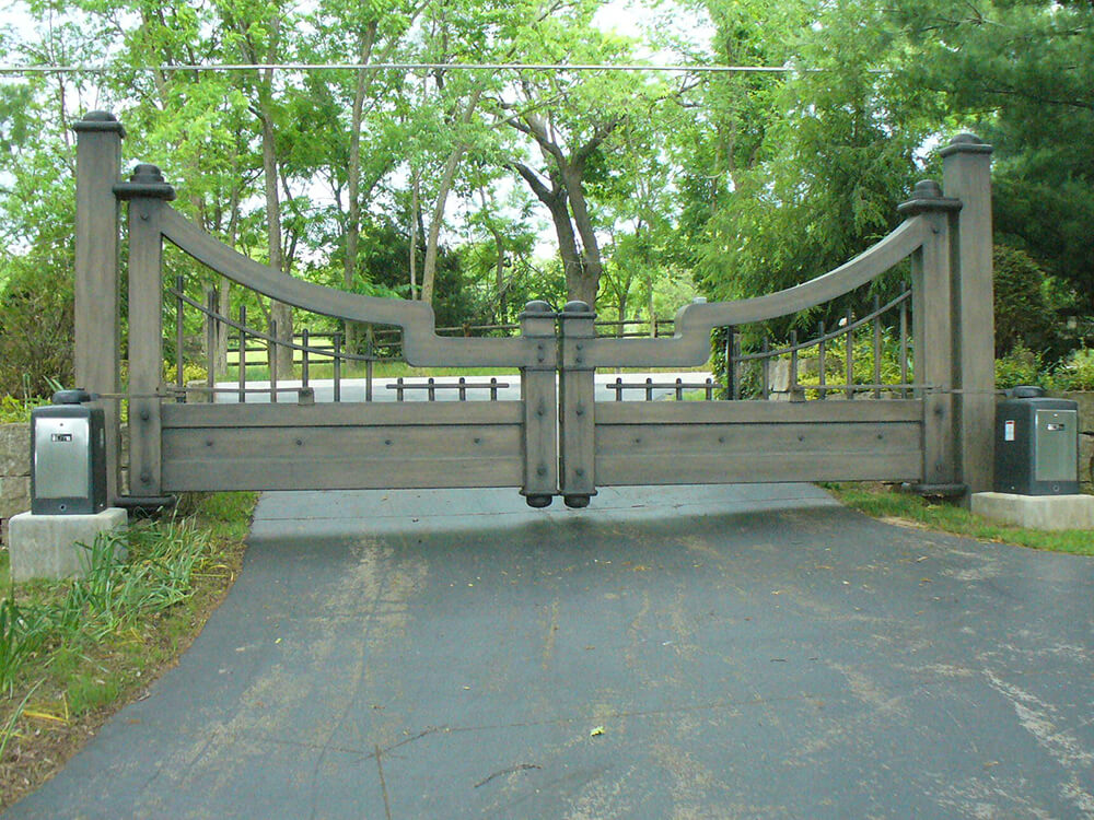 LO-Entry-gate-1000x750 Carnahan-White Fence Company