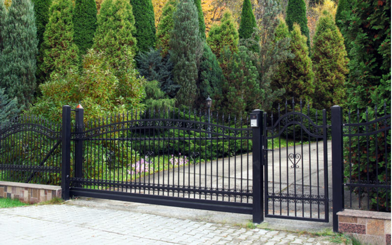 Modern iron ornamental fence